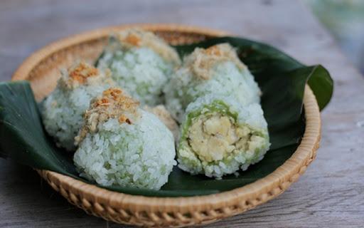 Nếu đến Hà Nội bạn nhất định phải ăn thử bánh khúc cô Lan